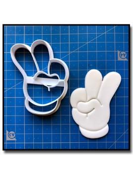 Main de Mickey 2 Chiffres 001 - Emporte-pièce pour pâtes à sucre et sablés sur le thème La bande de Mickey