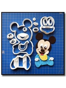 Mickey Bébé 101 - Emporte-pièce en Kit pour pâtes à sucre et sablés sur le thème La bande de Mickey