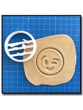 Emoticone Clin d'oeil 001 - Emporte-pièce pour pâtes à sucre et sablés sur le thème Réseaux sociaux
