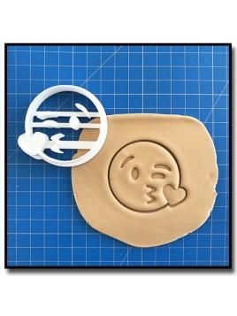 Emoticone Bisous Coeur 001 - Emporte-pièce pour pâtes à sucre et sablés sur le thème Réseaux sociaux
